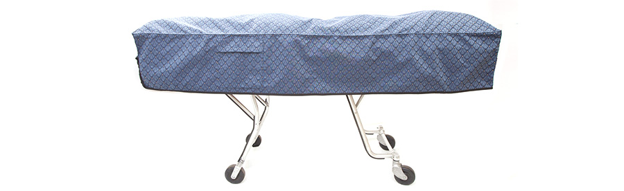The Kanga-Woo cot cover is designed to be placed on the cot in either direction.